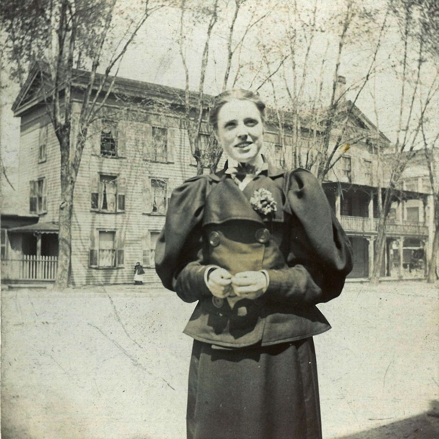 Bess Bower Dunn in front of the Waukegan House in 1896.