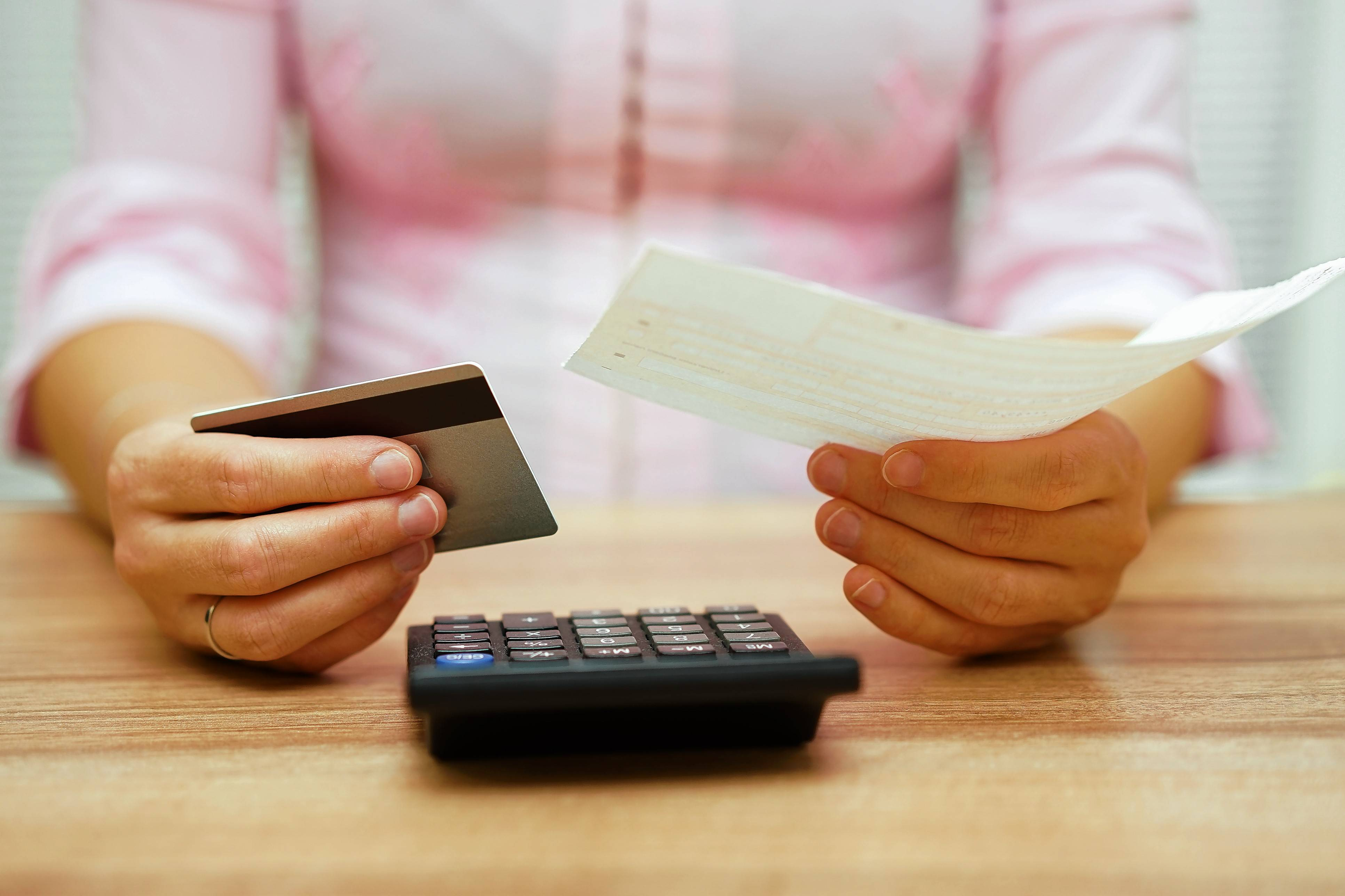 For many households, the monthly paycheck is barely enough to cover the bills. Nearly 60 percent of consumers surveyed this month by Bankrate.com said they didn't have enough cash to cover unexpected costs, such as a $500 auto repair bill.