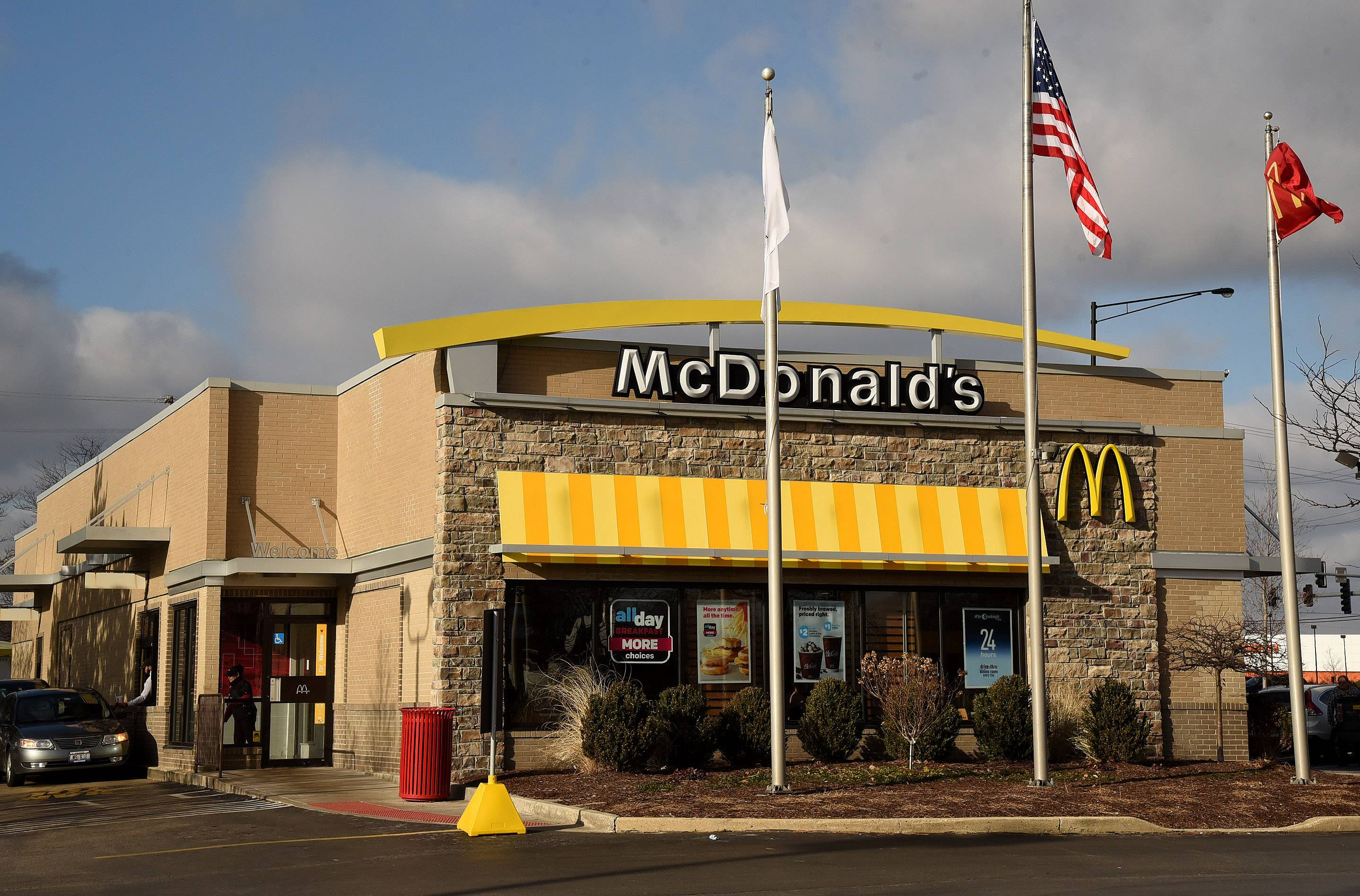 The victim's mother in Facebook torture case dropped off her 18-year-old son at a Schaumburg McDonald's to meet Jordan Hill at 1:30 p.m. Dec. 31.