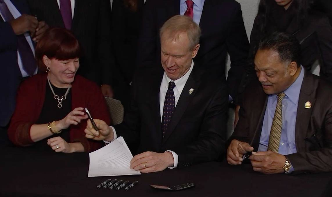 Rauner signs bill requiring school lead tests