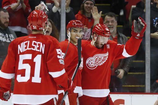 Vanek hopes Red Wings don't move him before trade deadline