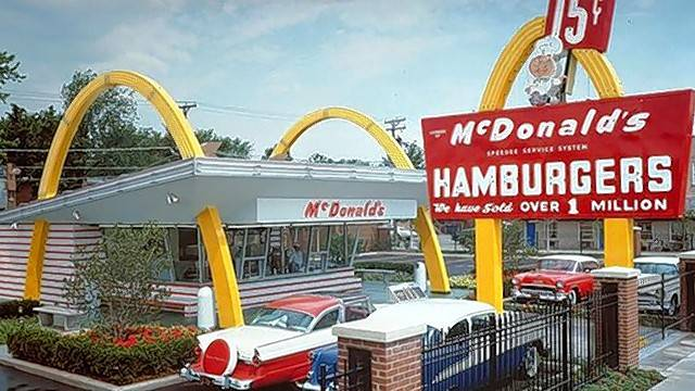 """The Founder"" production designer Michael Corenblith used old photos to build a replica of the first franchised McDonald's restaurant on Lee Street in Des Plaines."