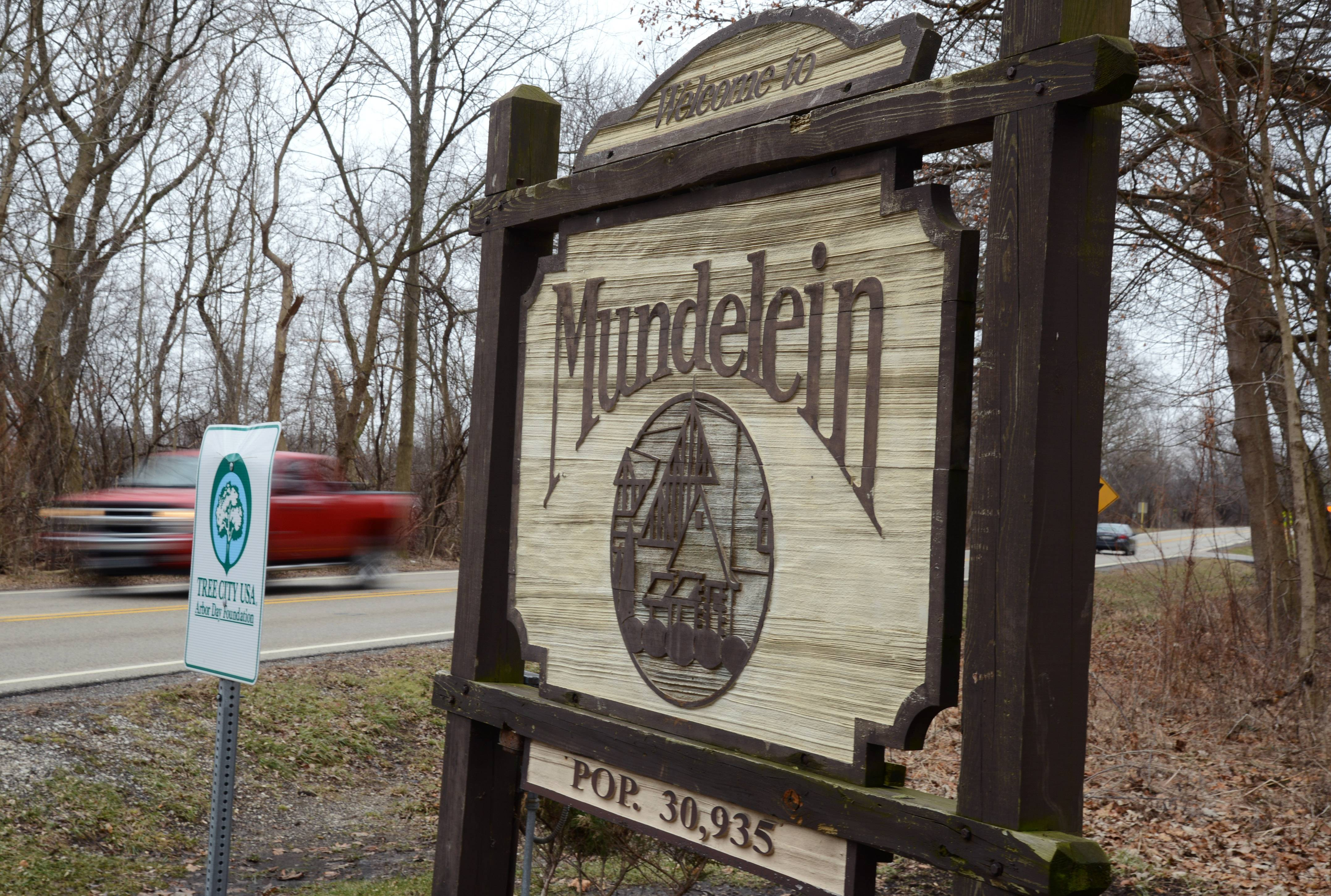 Mundelein wants updated entryway signs