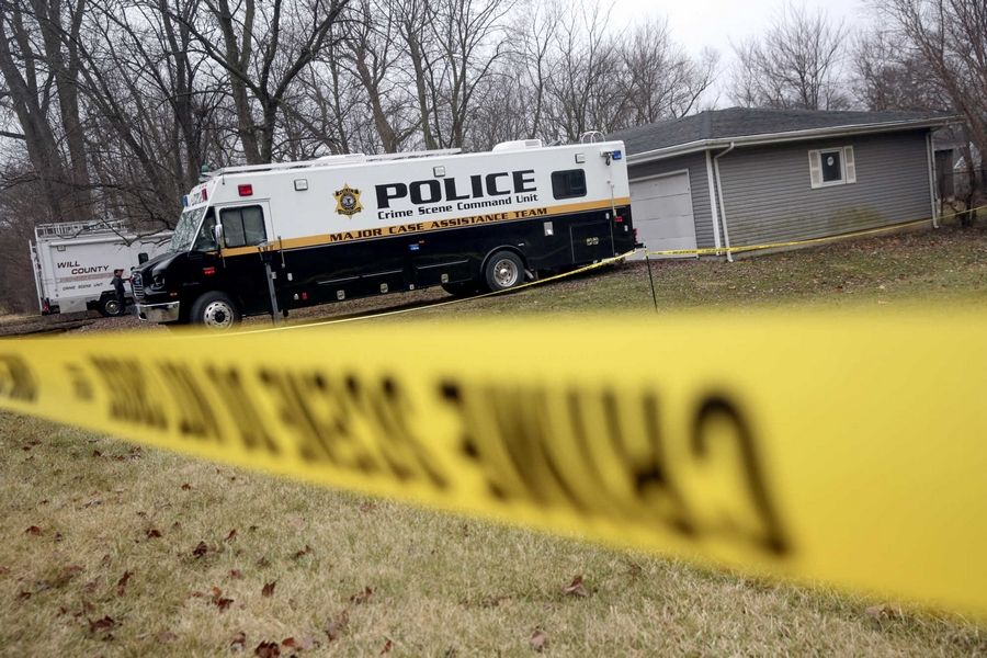 Authorities are searching for the remains of a missing Rolling Meadows teen at a house near Joliet. A former Joliet man on his deathbed confessed to the killing of Michael Mansfield in 2011.