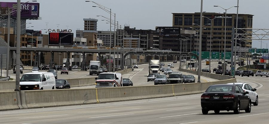 The tollway will consider adding transit to a revamped Tri-State Tollway.