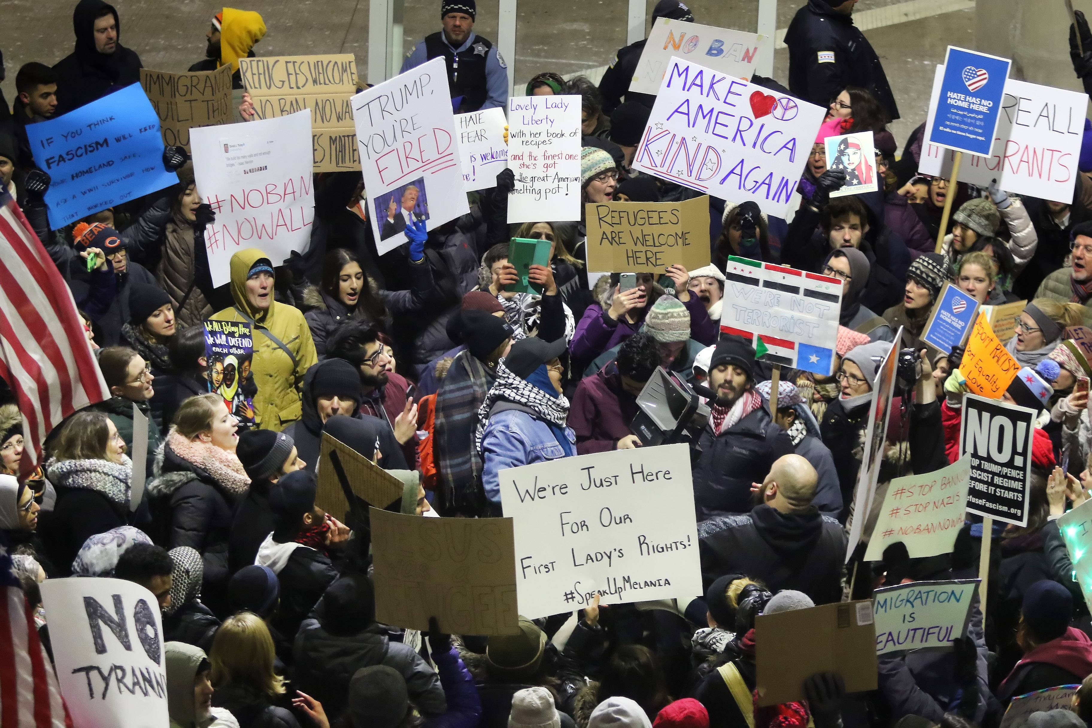 Hundreds protest for immigrants at O'Hare