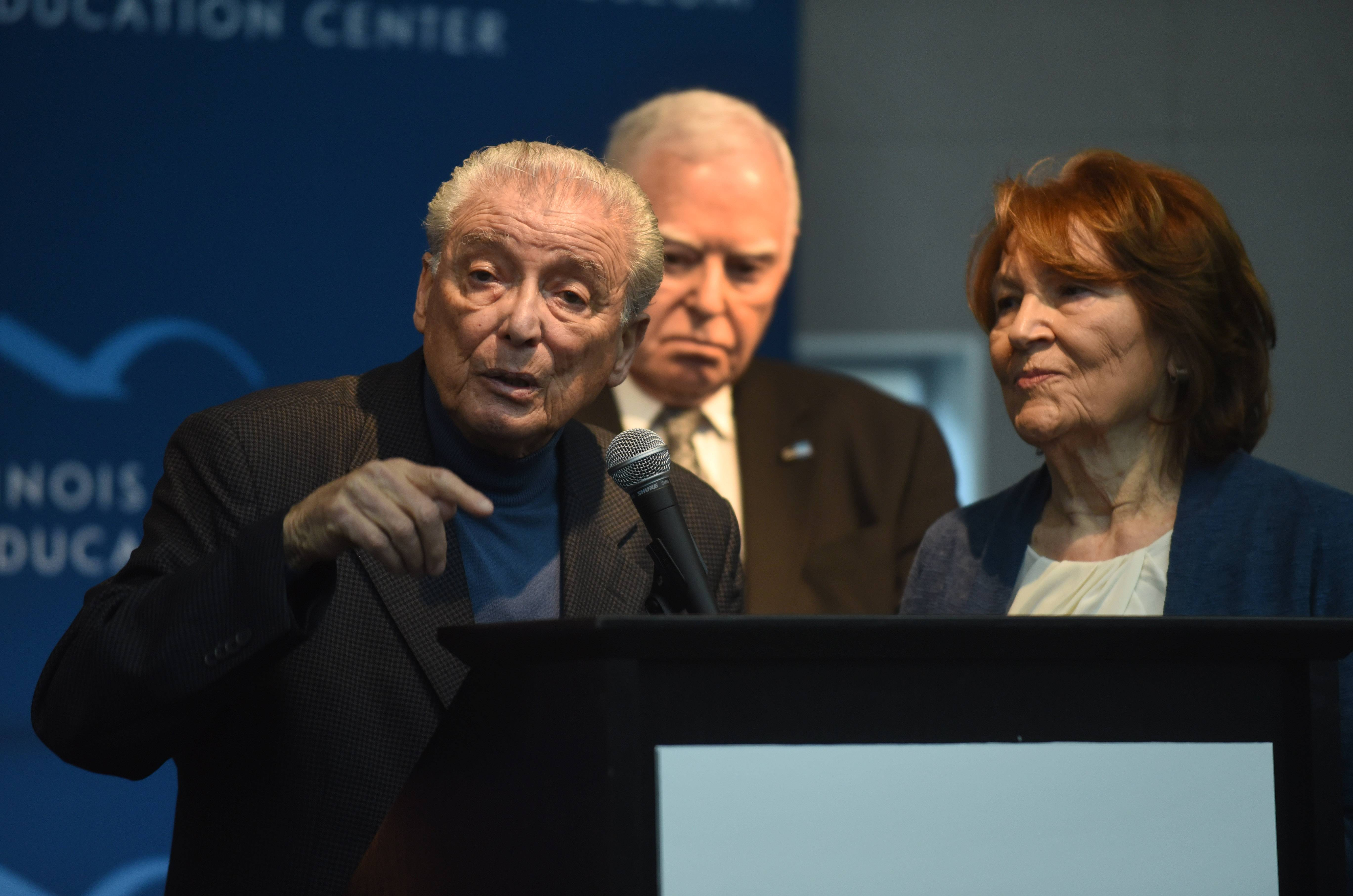 Holocaust survivors: Refugee travel ban recalls their own experience