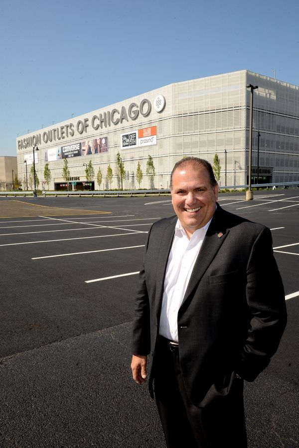 Rosemont Mayor Brad Stephens says Fashion Outlets of Chicago owner Macerich could get an option to acquire land nearby that would allow the mall to expand.