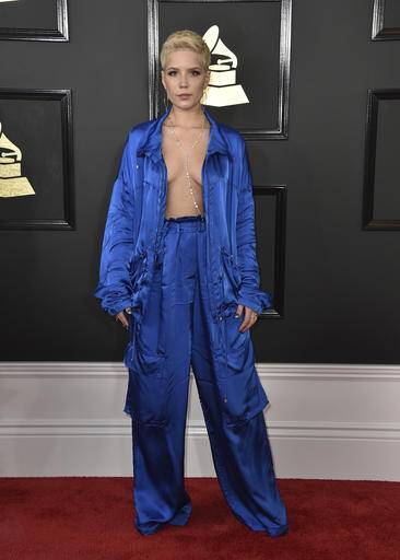 Halsey arrives at the 59th annual Grammy Awards at the Staples Center on Sunday, Feb. 12, 2017, in Los Angeles. (Photo by Jordan Strauss/Invision/AP)