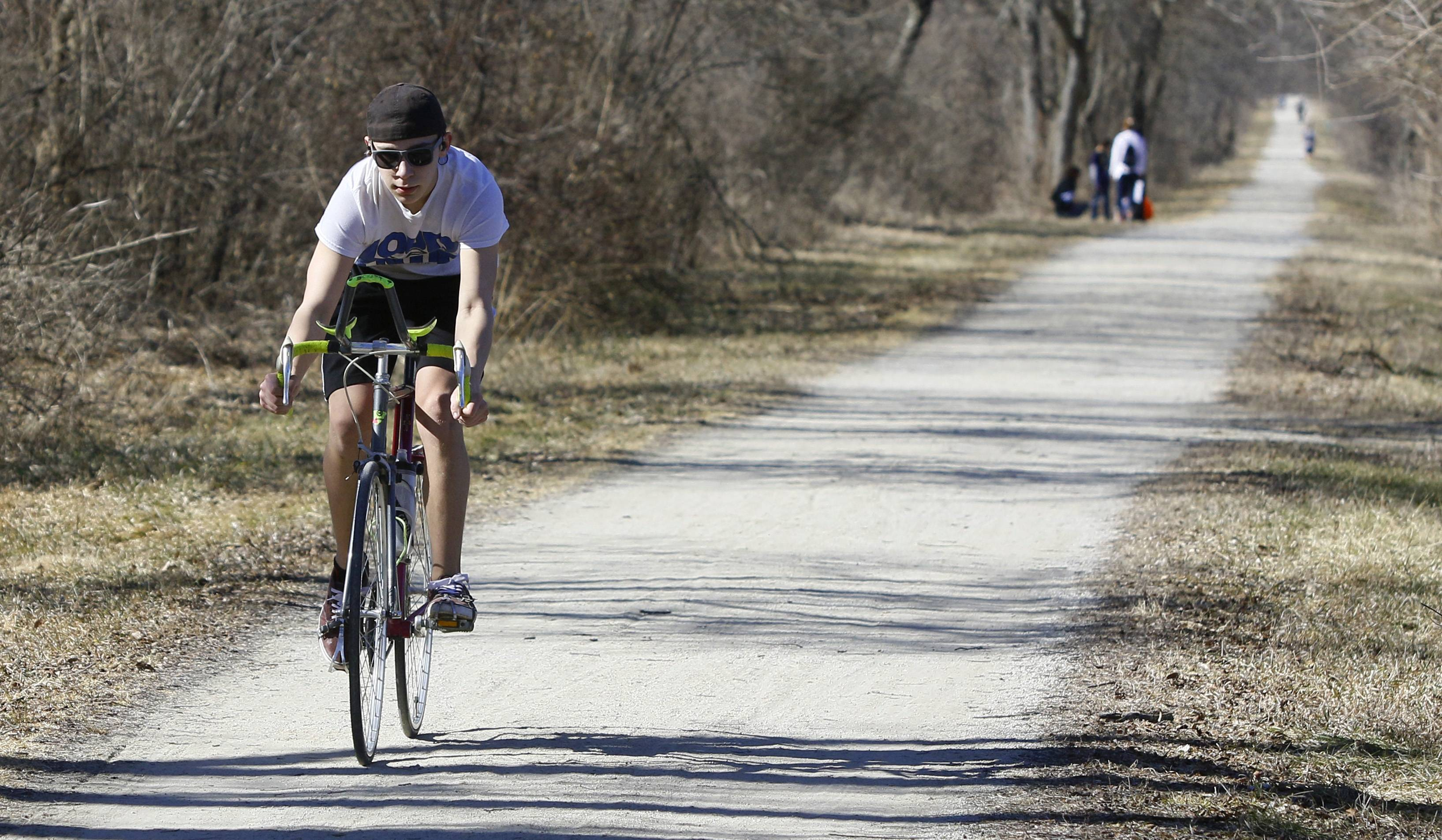 Temperature reaches 70 degrees at O'Hare, shattering 36-year record