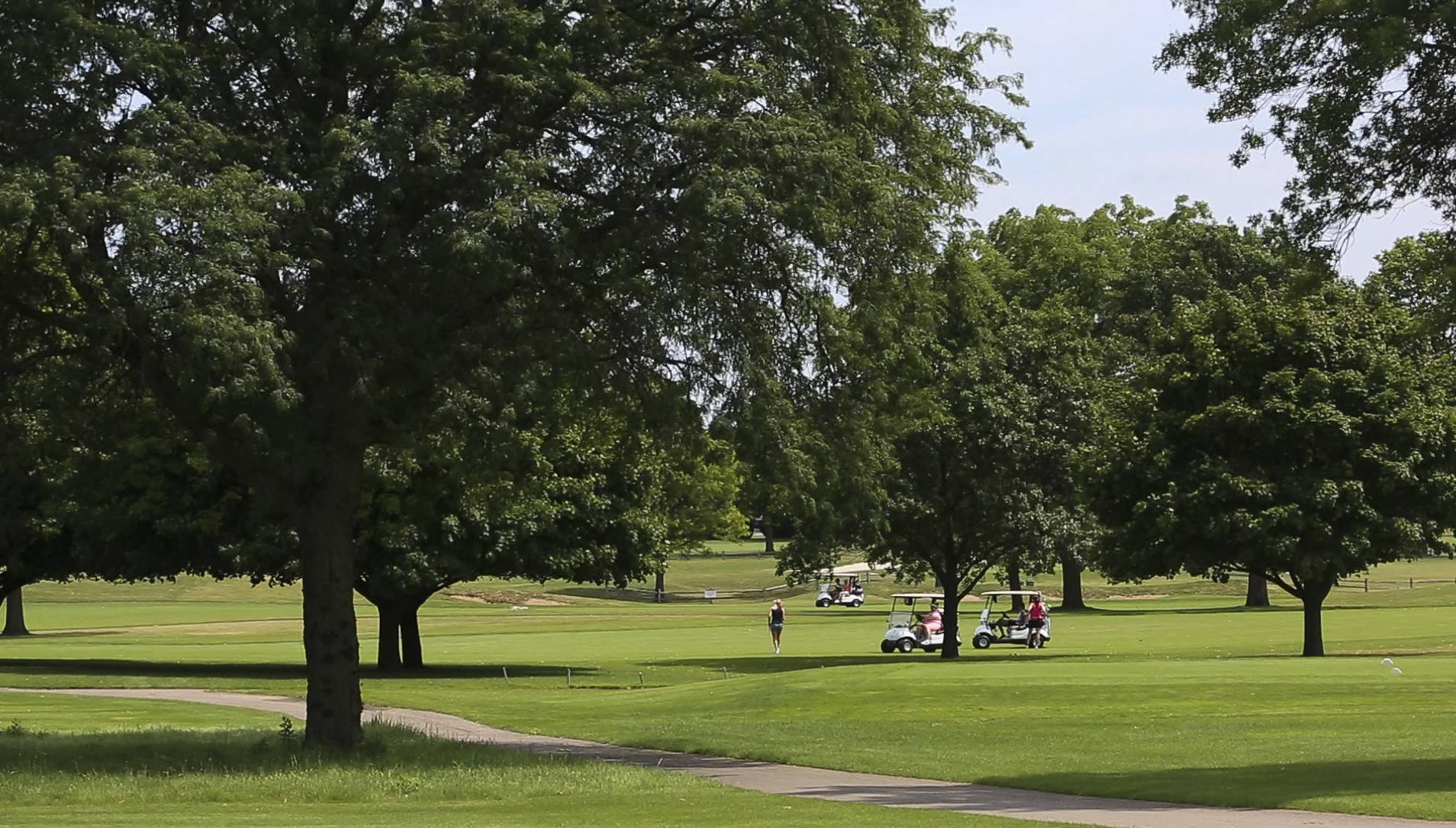 The 27-hole golf course at Indian Lakes Resort in Bloomingdale, which closed last fall, could become home to more than 500 ranch-style houses aimed at residents 55 and older under a new development plan.
