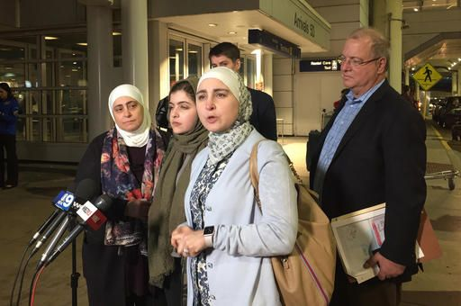 Syrian woman previously denied entry arrives in Chicago