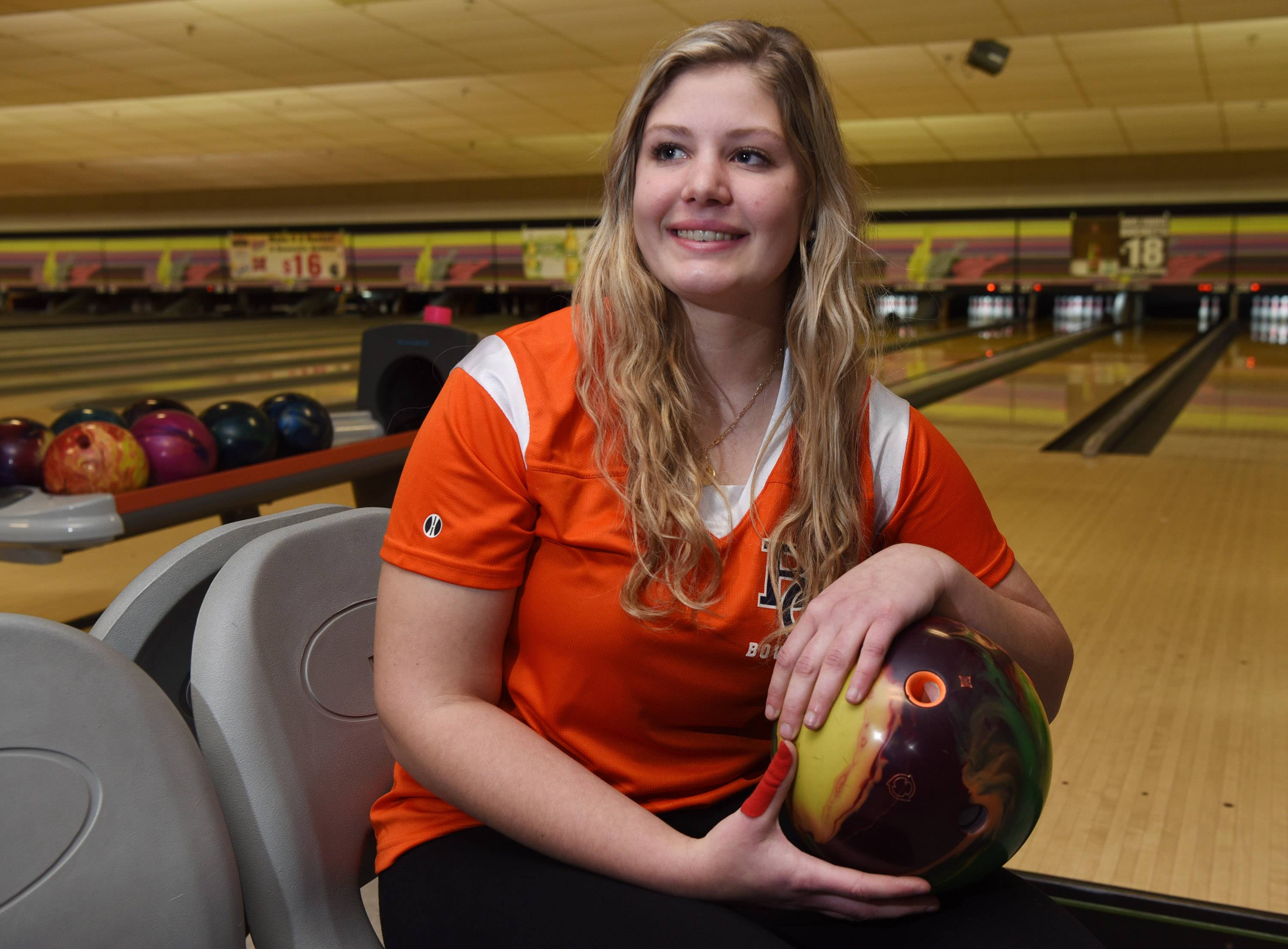 Girls bowling: Buffalo Grove's Soskich repeats despite runner-up Richae's rally