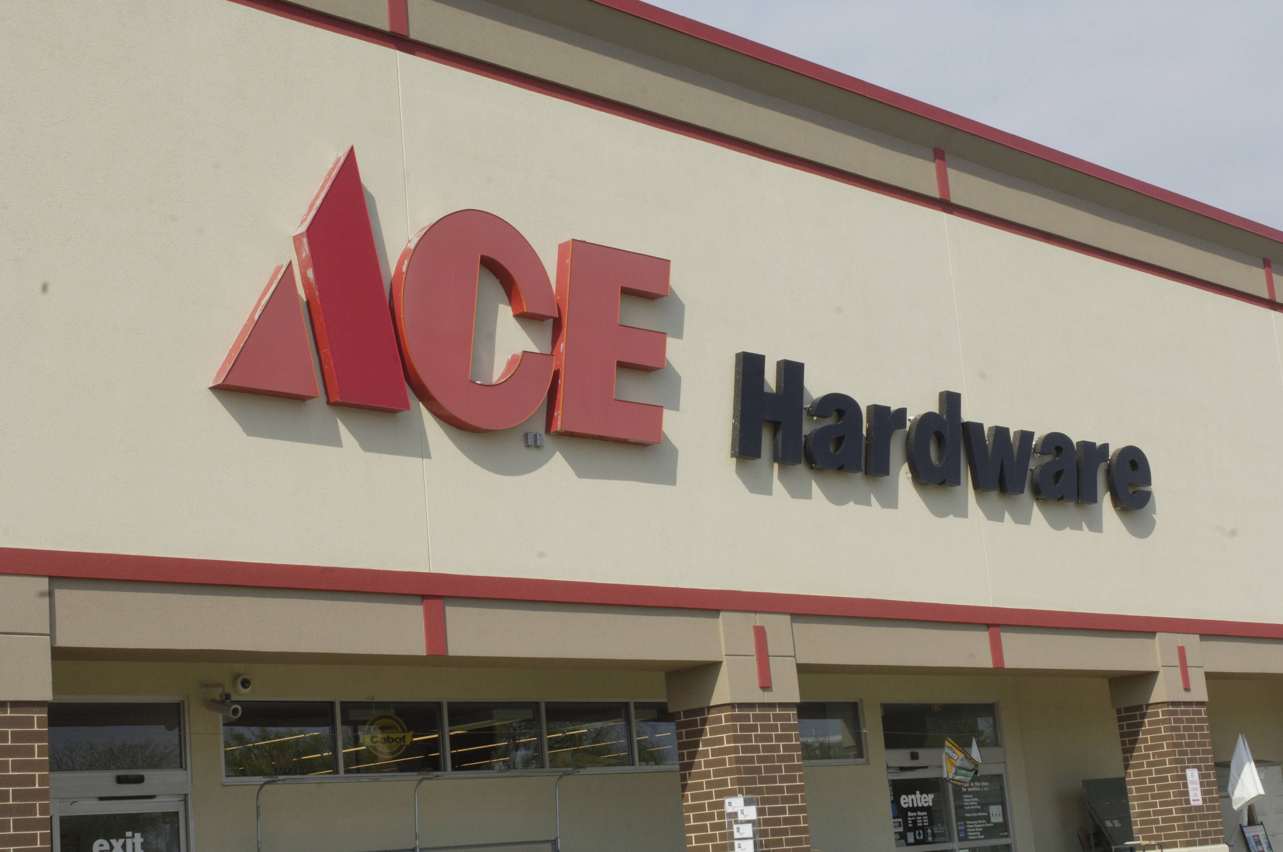 JOE LEWNARD/jlewnard@dailyherald.comOak Brook-based Ace Hardware Corp. today said its fourth 2016 revenues and profit hit a record as store sales continued to be strong.