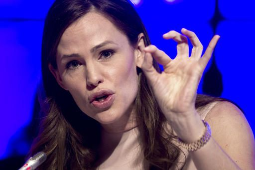 Actress Jennifer Garner addresses the National Governors Association Winter Meeting about early education, in Washington, Saturday, Feb. 25, 2017.