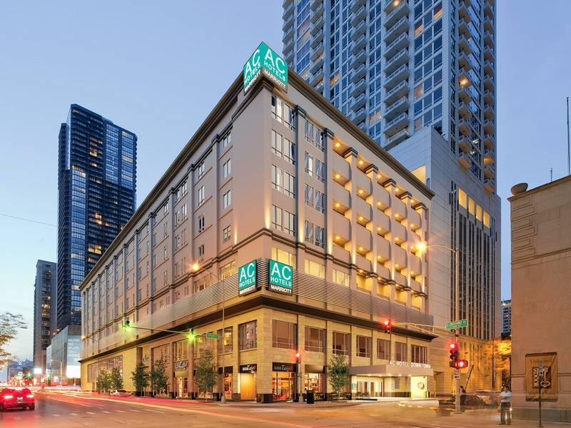 Midwest travel ac hotel chicago downtown offers for Reasonable hotels downtown chicago