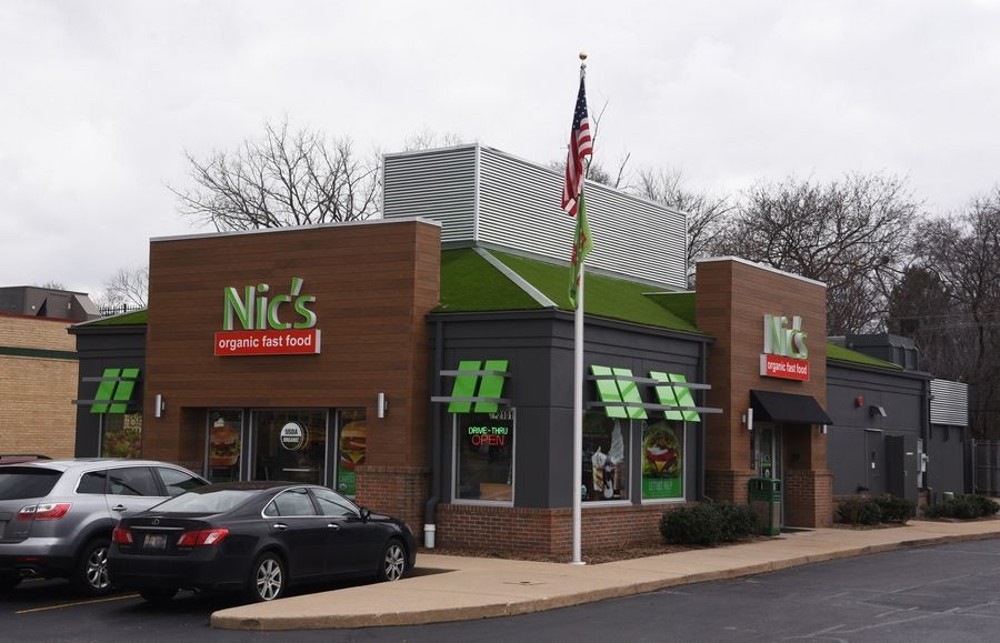 Exterior view of Nic's Organic Fast Food, the nation's first QAI-certified organic drive-through chain, in Rolling Meadows.