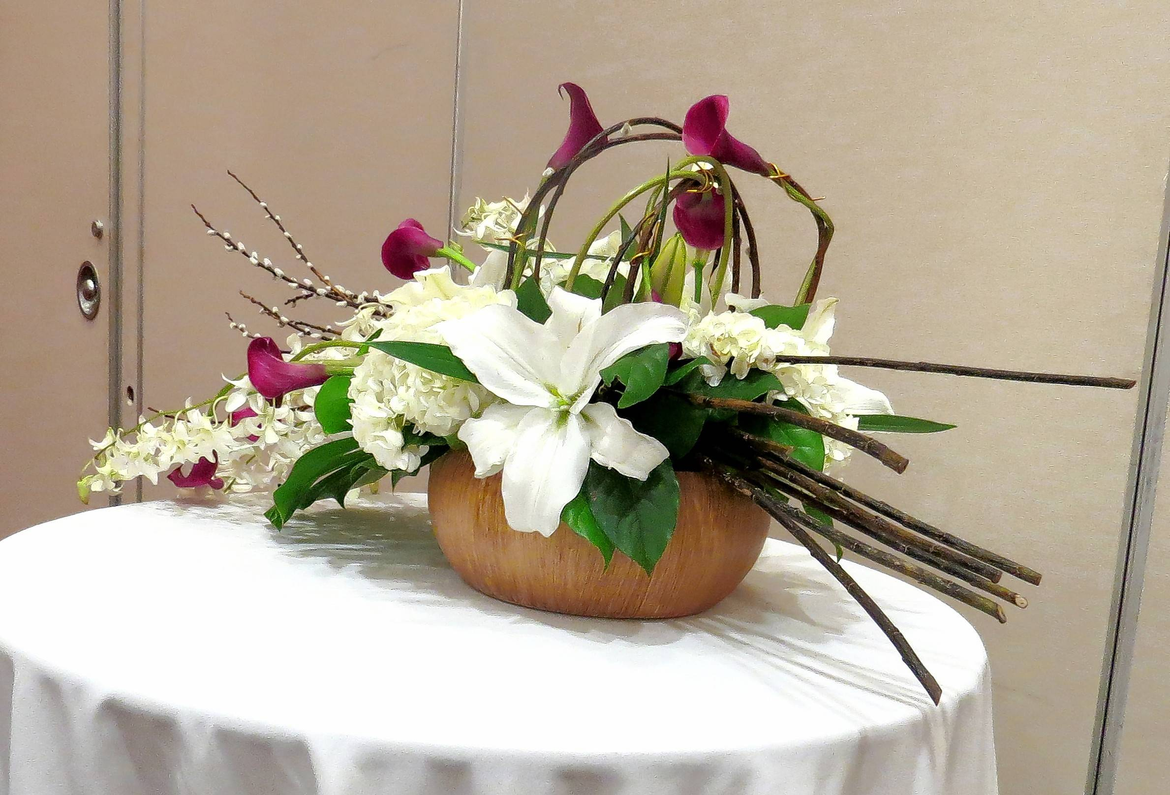 A floral arrangement by last year's convention designer, Anton Engelmann of Town & Country Florists.