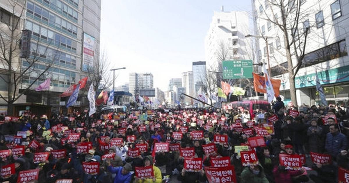 South Korea's president formally ousted by court