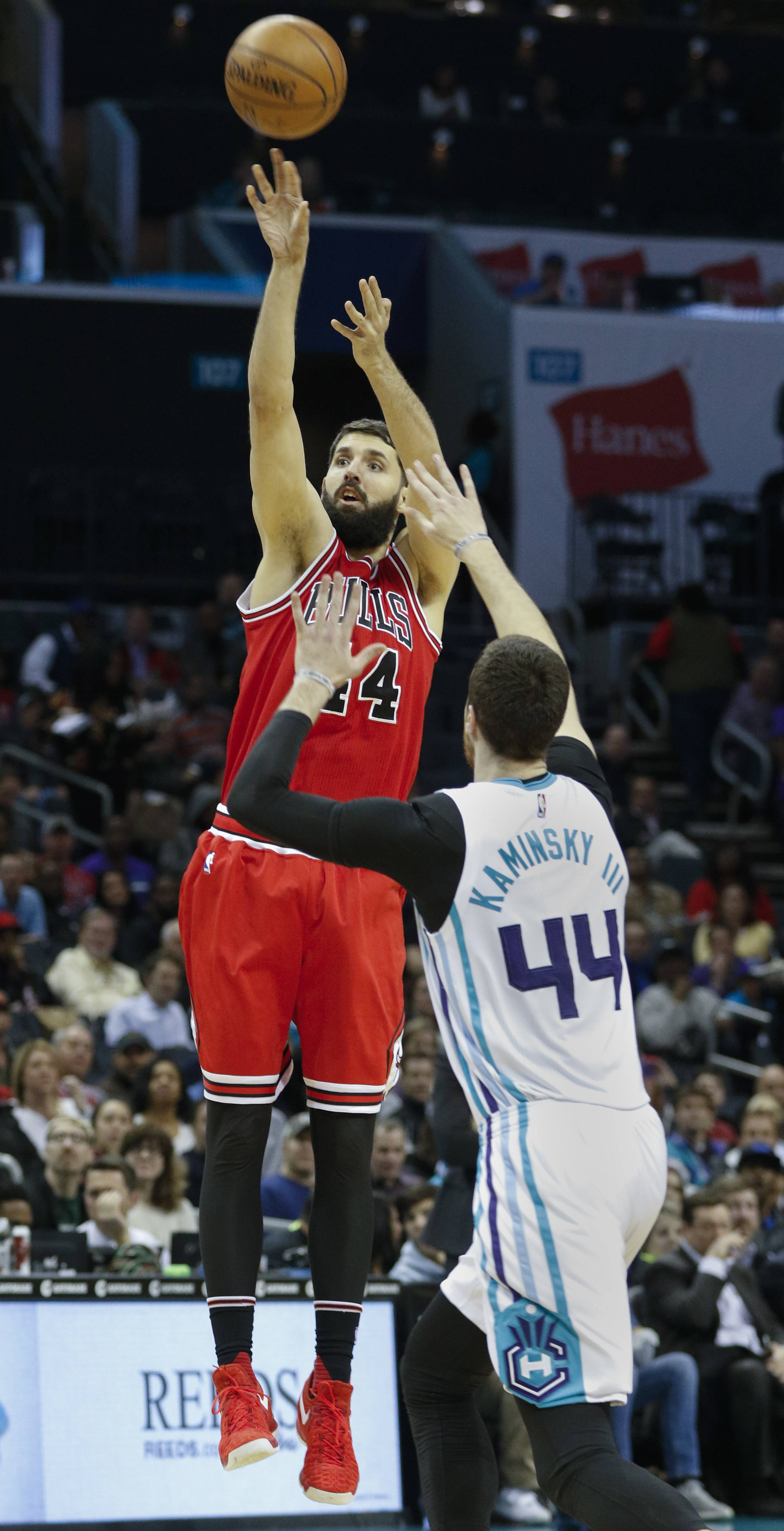 Rondo, Mirotic step forward to help Bulls end losing streak