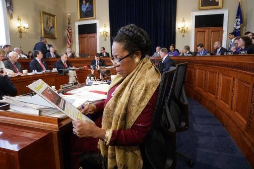 Health bill short of votes, GOP leaders look to Trump