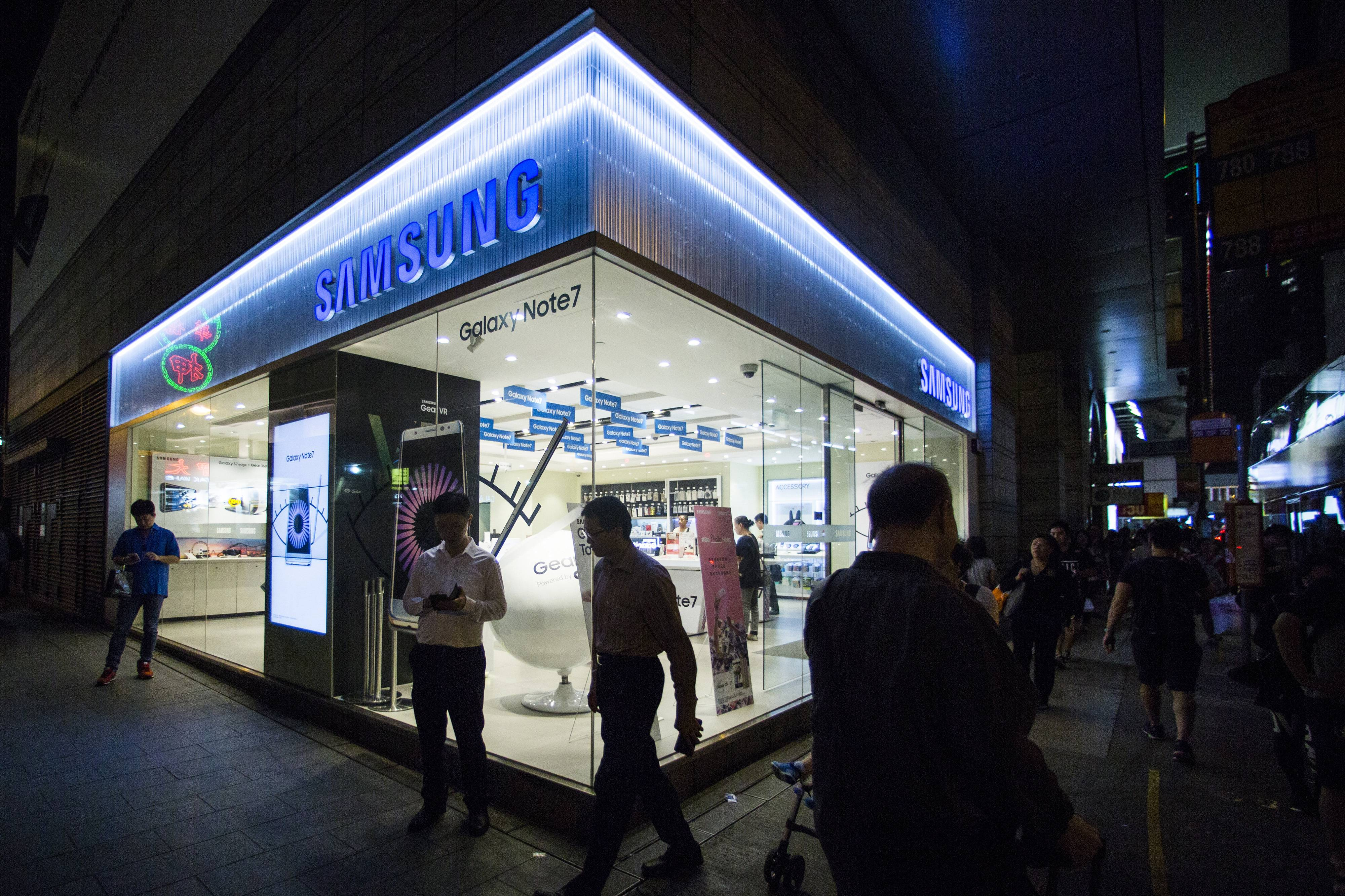 Samsung's brand has taken a hit after the costly Note 7 recall, dropping from seventh to 49th in one year on the Harris Poll's reputation list of the world's 100 most visible companies.