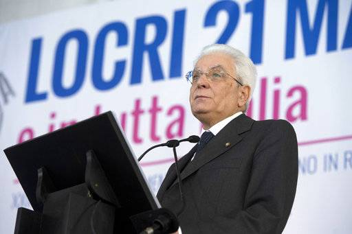 Italian Presdient Sergio Mattarella speaks at an event to honor victims of Mafia crimes, in the Calabrian town of Locri, southern Italy, Sunday, March 19, 2017. Mattarella on Sunday paid tribute to those slain for opposing organized crime, including judges, police officers, union leaders, entrepreneurs, and politicians, like his own brother, who were killed by the mob. (Francesco Ammendola/Italian Presidential Press Service pool photo via AP)