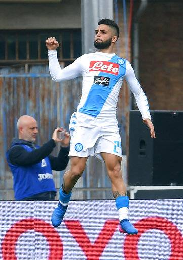Napoli's Lorenzo Insigne celebrates after scoring during a Serie A soccer match between Empoli and Napoli at the Carlo Castellani Stadium in Empoli, Italy, Sunday, March 19, 2017 (Claudio Giovannini/ANSA via AP)