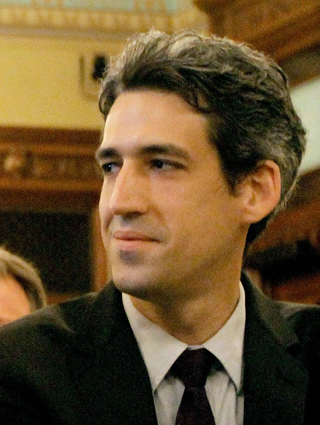 Biss announces Democratic bid for governor