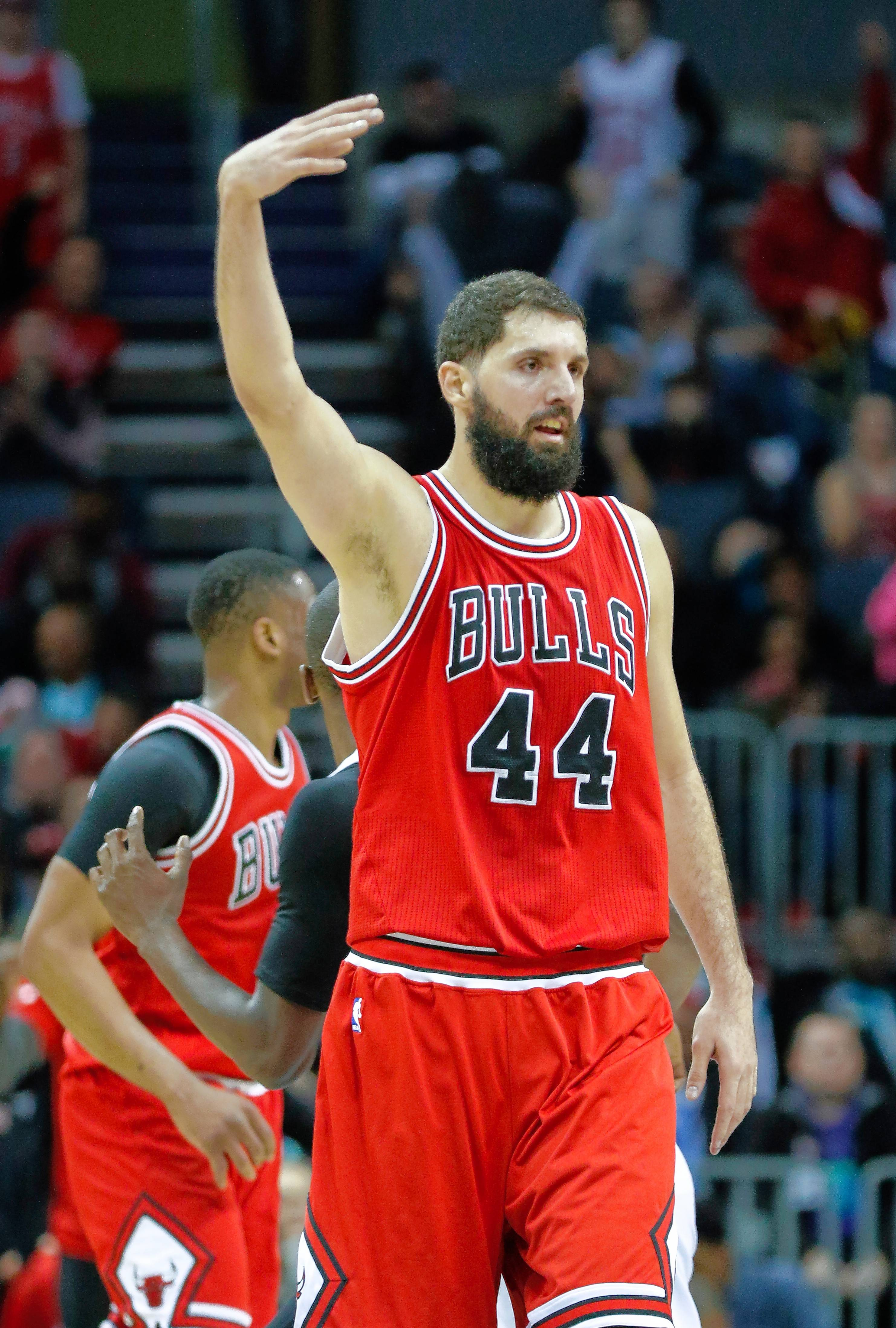 Future uncertain, Mirotic tries to finish strong