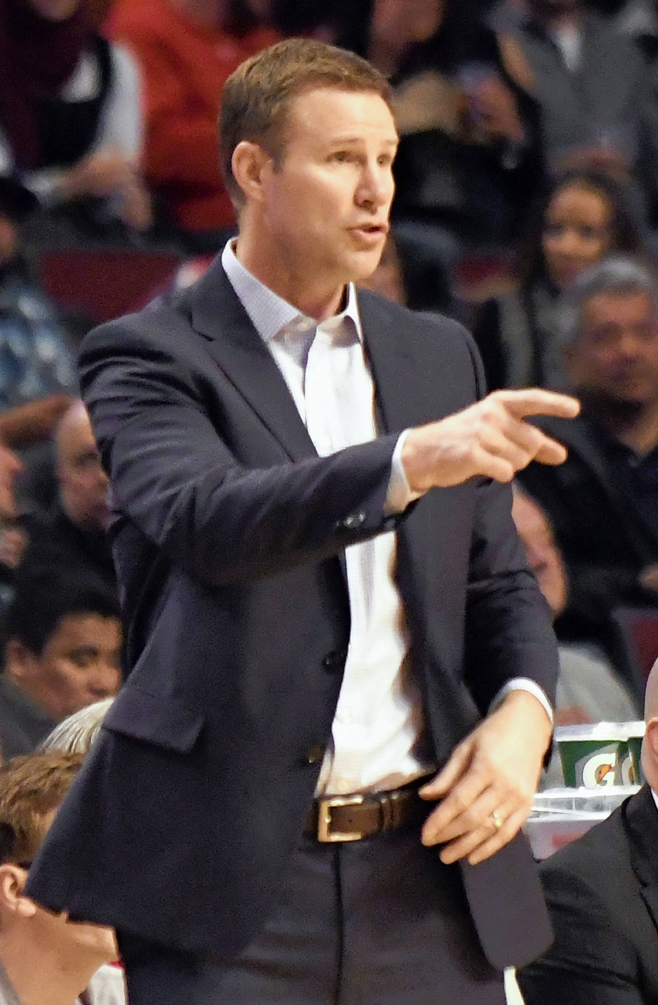 Chicago Bulls head coach Fred Hoiberg gives instructions to his his team during the second half of an NBA basketball game against the Philadelphia 76ers in Chicago, Friday, March 24, 2017. The 76ers won 117-107. (AP Photo/David Banks)