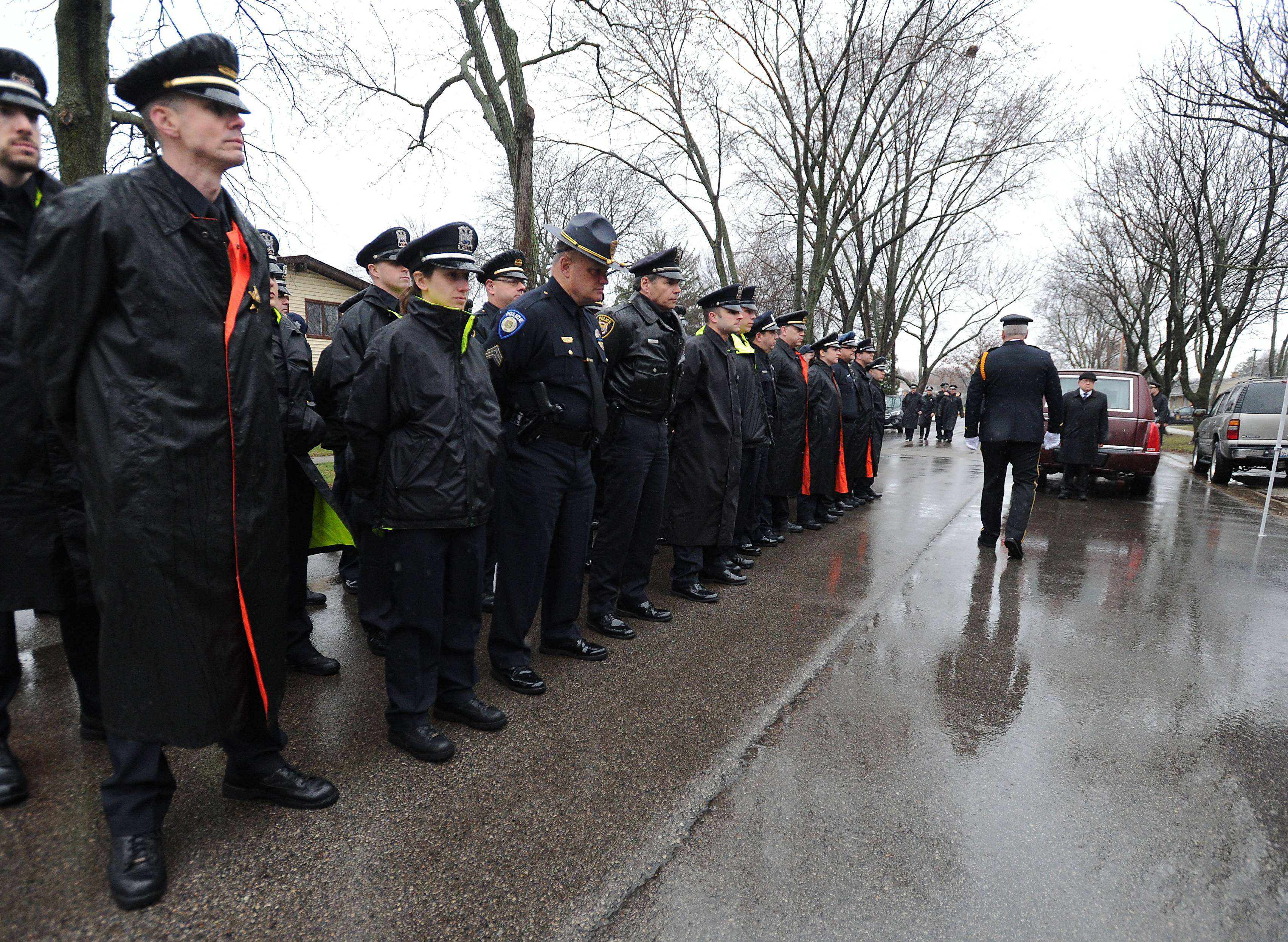 Mt. Prospect officer laid to rest amid emotional ceremonies
