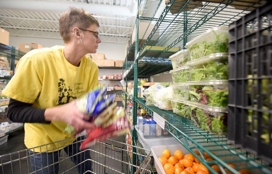 Elmhurst food pantry celebrates $100,000 donation