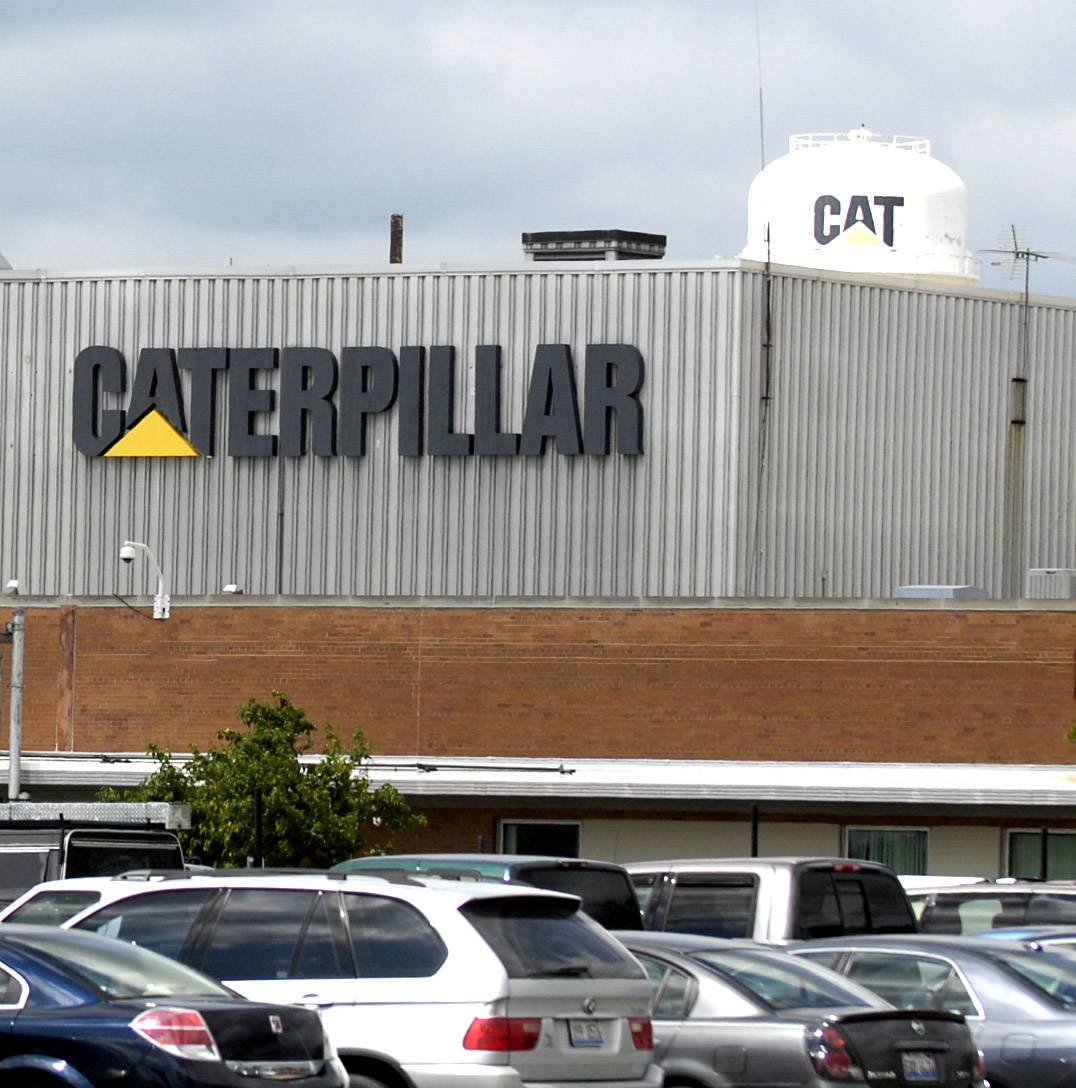 Caterpillar to close Aurora-area plant, lay off 800