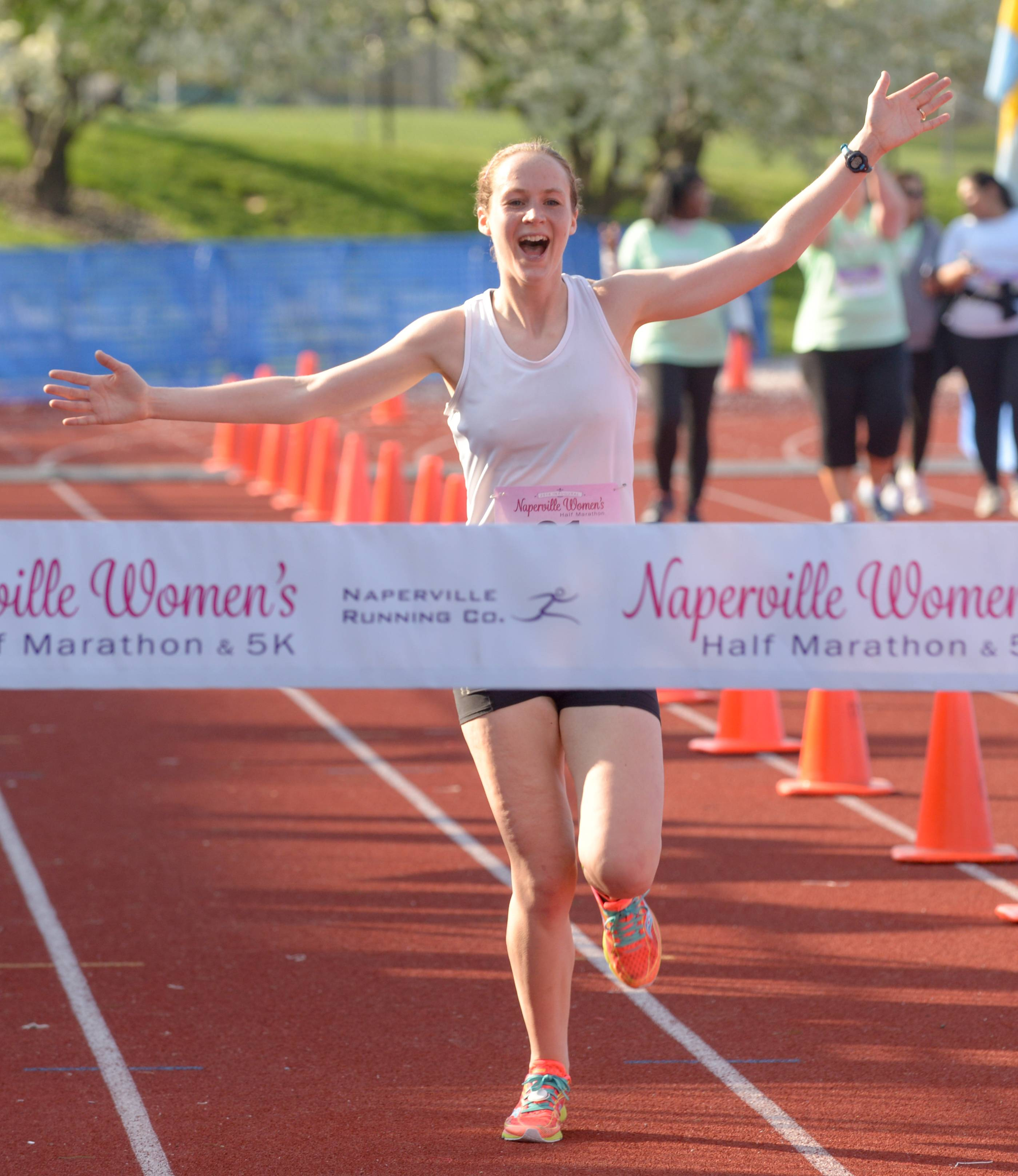 Naperville women's race drawing thousands from 33 states