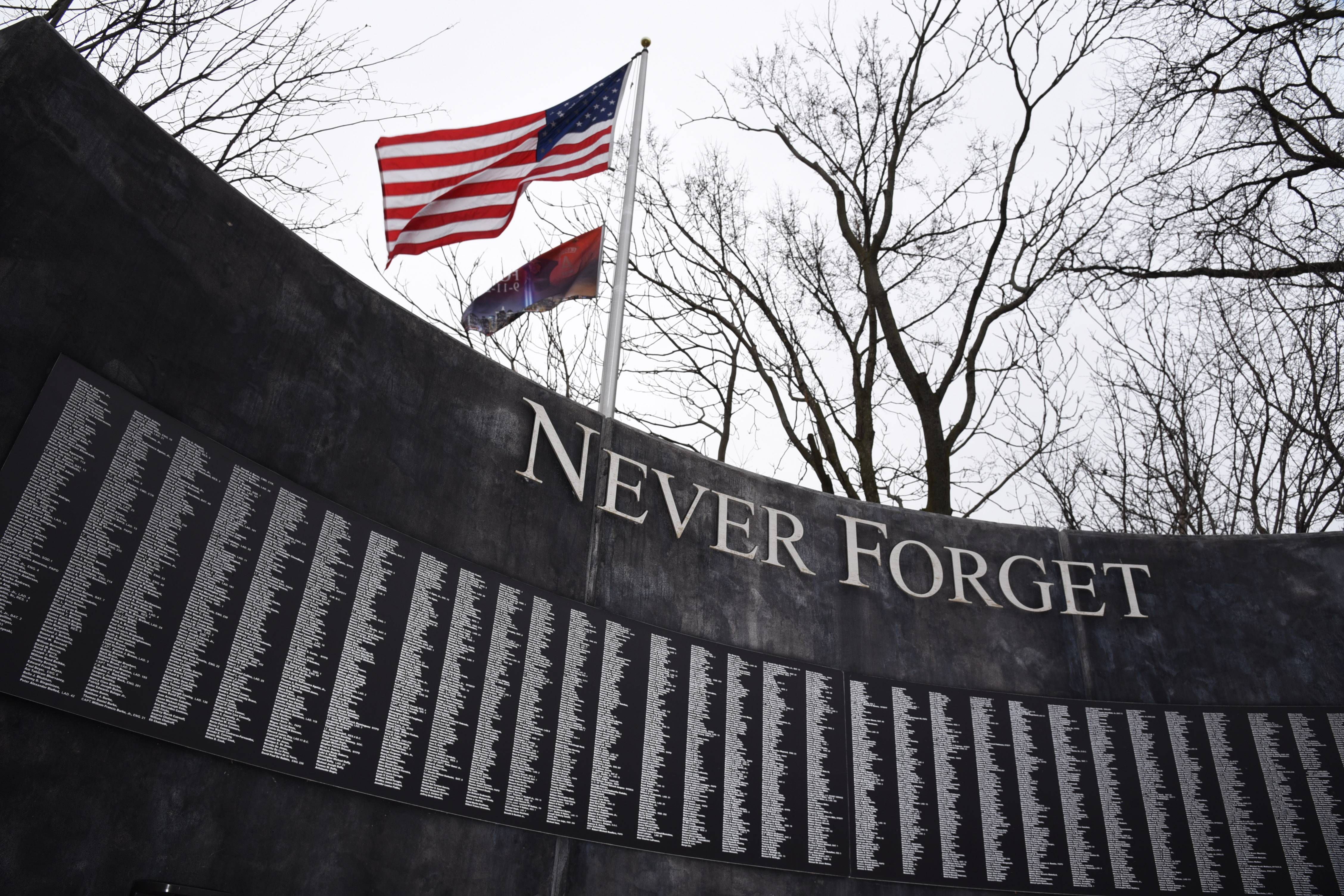 The Heroes of Freedom Memorial in Wauconda, which features a large beam from the World Trade Center, also should include storyboards honoring those who fought in the wars in Iraq and Afghanistan, village voters said in an advisory referendum Tuesday.