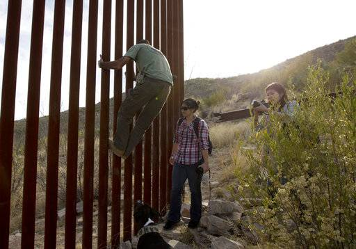 Border Agency Fields Pitches For Trump S Wall With Mexico