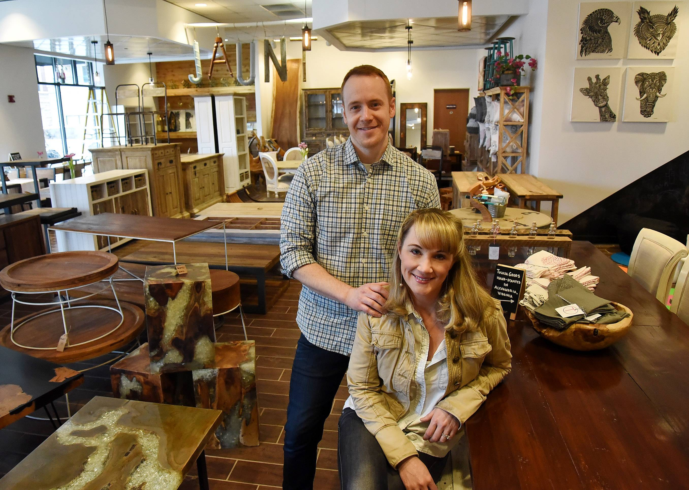 Attrayant Mark And Tory Orlando Of Jaunt Furniture In Arlington Heights.