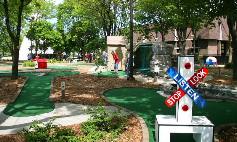 Miner Mike S Adventure Golf Swings Open For The Season On