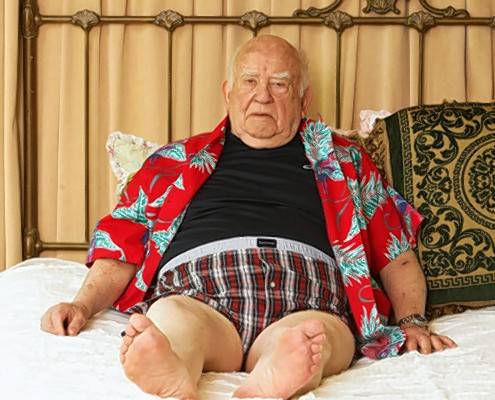 "Legendary actor and comedian Ed Asner calls his one-man comedy show ""A Man and His Prostate"" the male response to ""The Vagina Monologues."" He'll perform the show May 9 at the Garlands of Barrington."