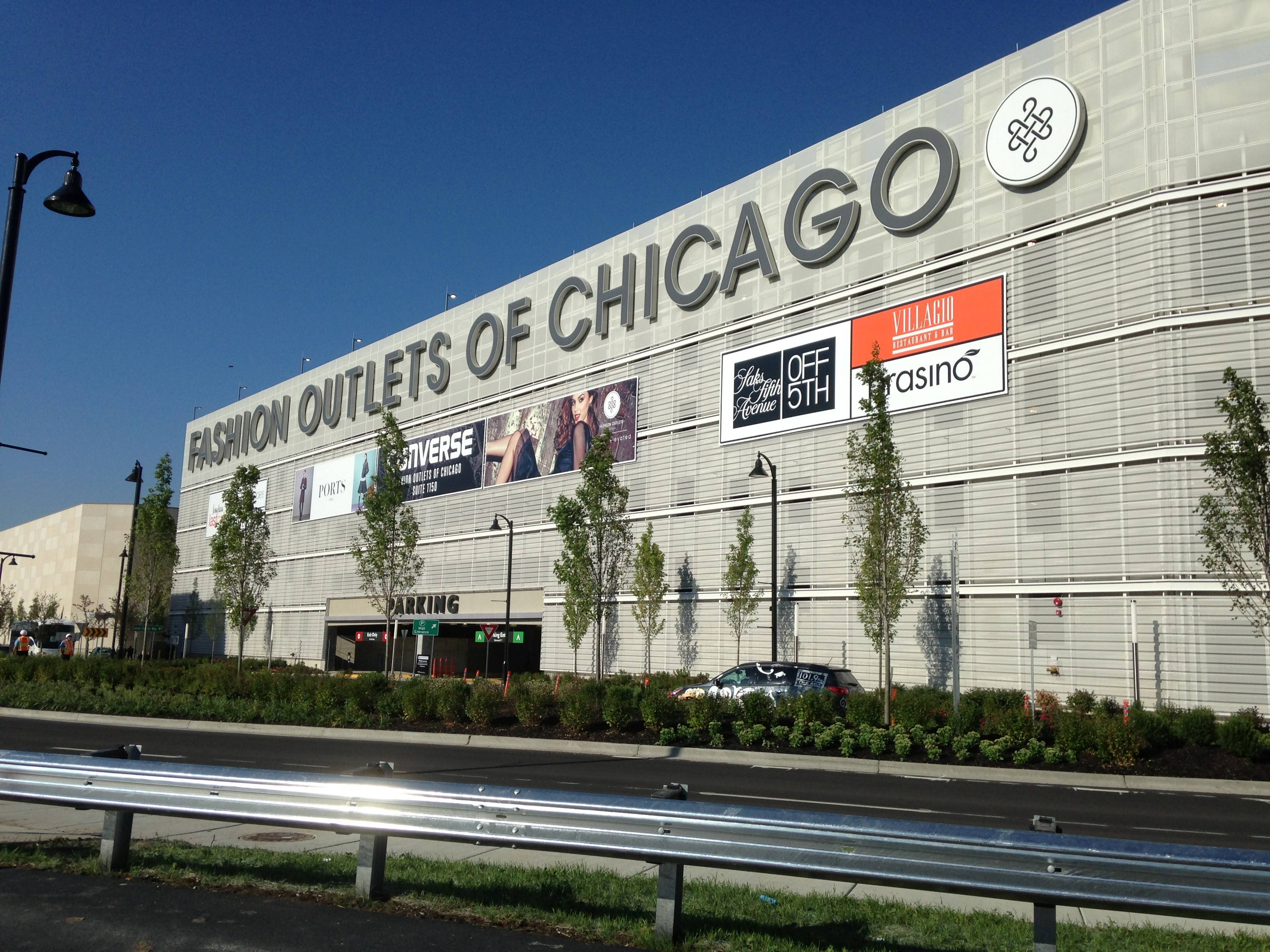 Fashion Outlets of Chicago Home 1