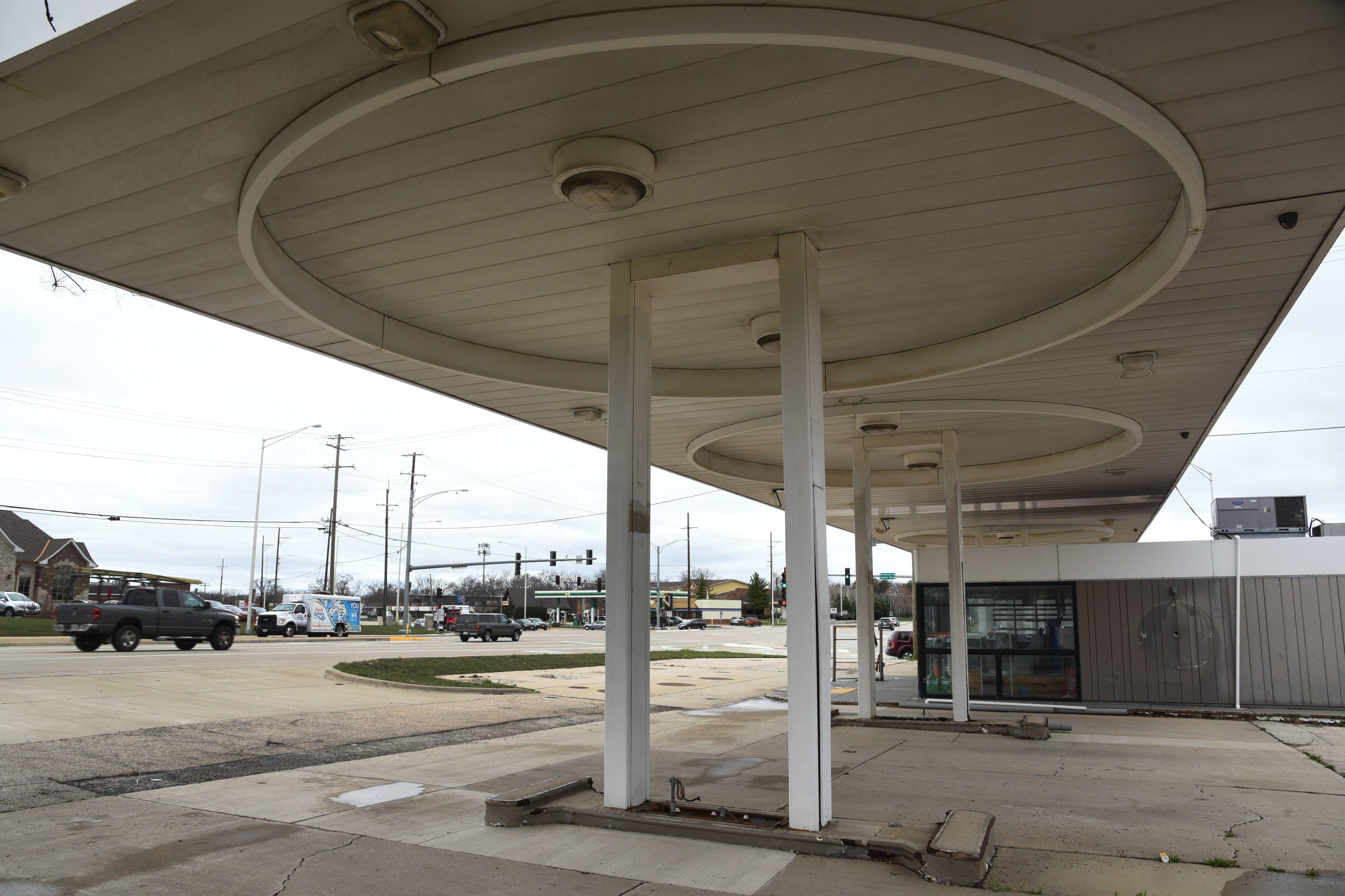 Road widening puts squeeze on former gas station site in Libertyville