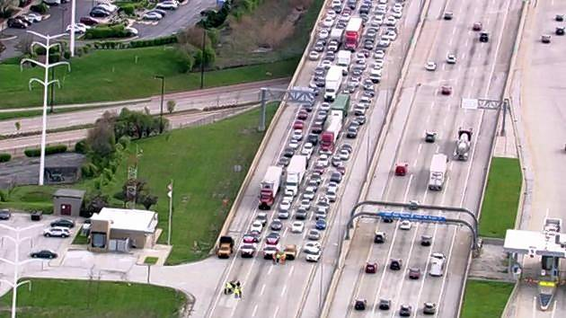 Truck driver dies after another driver shoots him on I-88 in Oak Brook