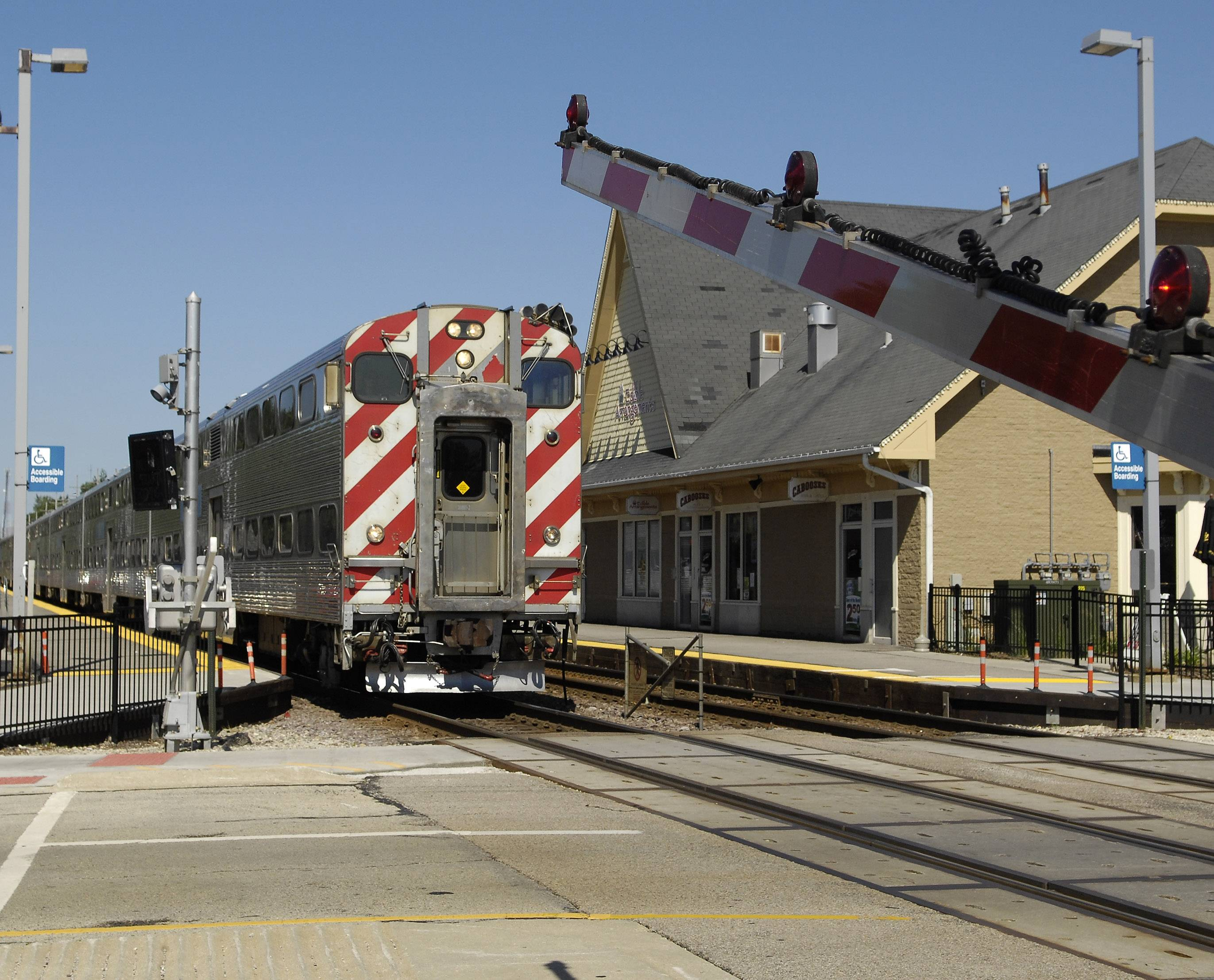 Third track should reduce delays between Geneva, West Chicago for Metra UP West passengers