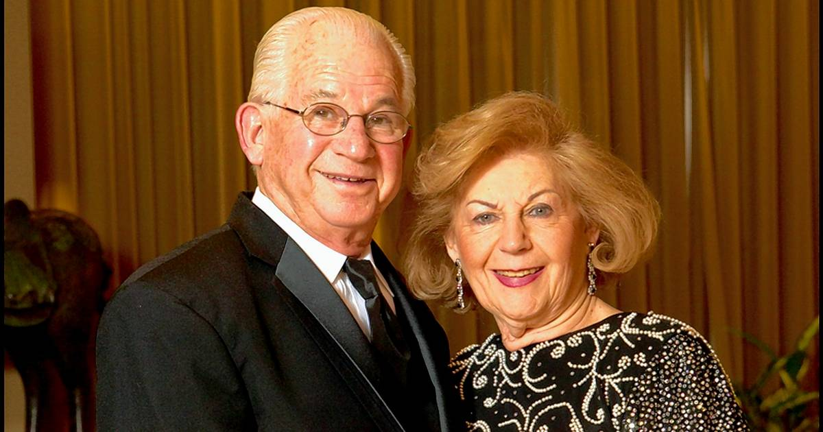 Illinois couple married 69 years die minutes apart