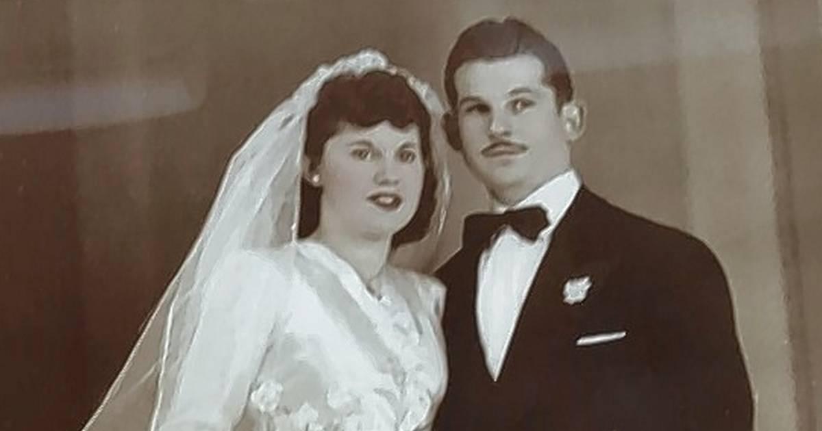 Heartbroken couple die holding hands 40 minutes apart