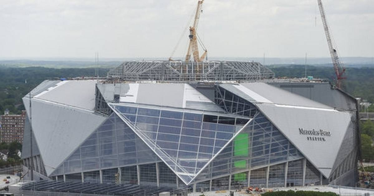 Atlanta stadium official says new facility ready in 3 months for Mercedes benz stadium roof