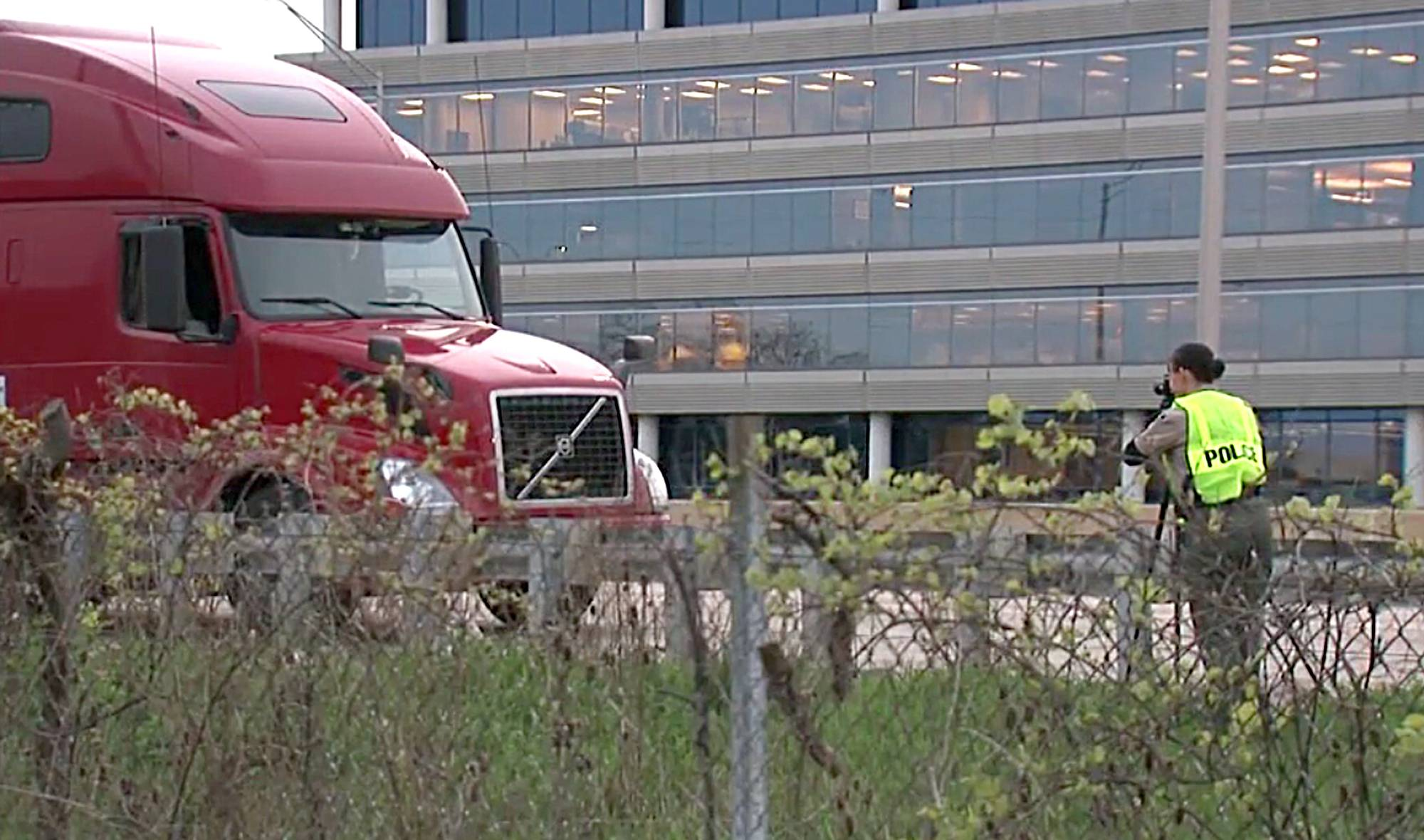 Law enforcement officials say it was a combination of eyewitness accounts and video surveillance that allowed them to quickly focus their attention on Anthony Tillmon as the prime suspect in Friday's shooting death of a truck driver on the Reagan Tollway in Oak Brook.