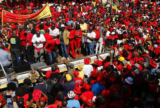 story latest south african president jeered rally