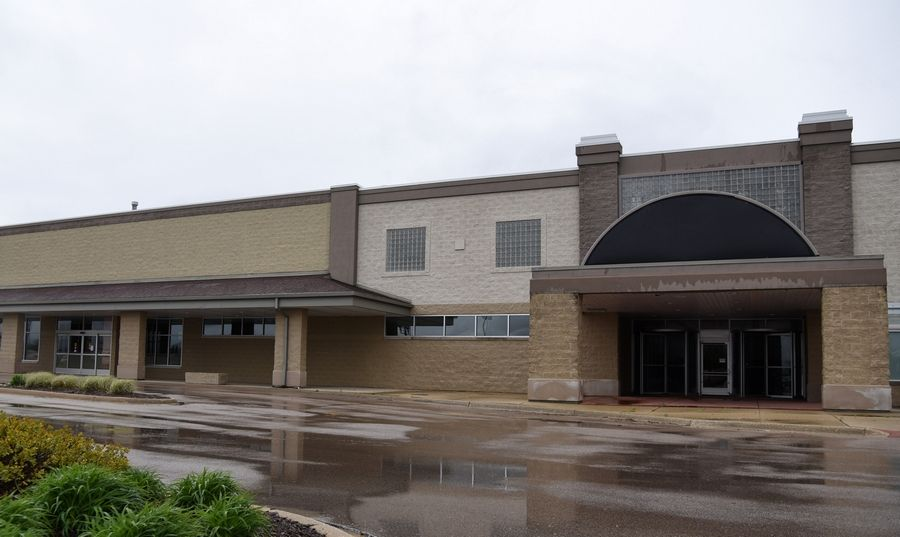 Fresh Thyme is slated to open in the closed Dominick's location on Randall Road in Geneva.